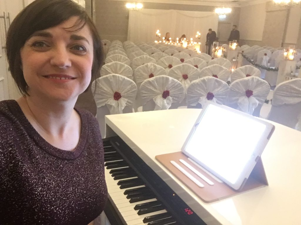 Liz Hendry about to play for the wedding of Liz and Chris at Mottram Hall